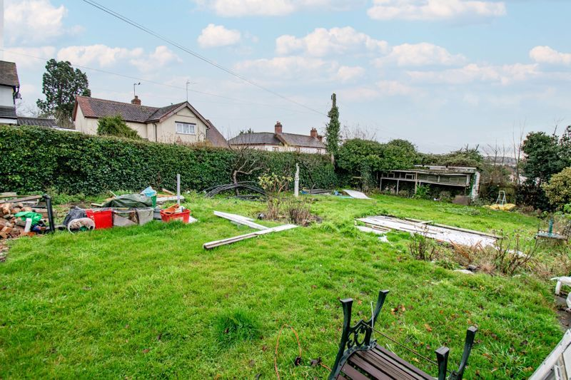 2 bed cottage for sale in Foley Gardens 16