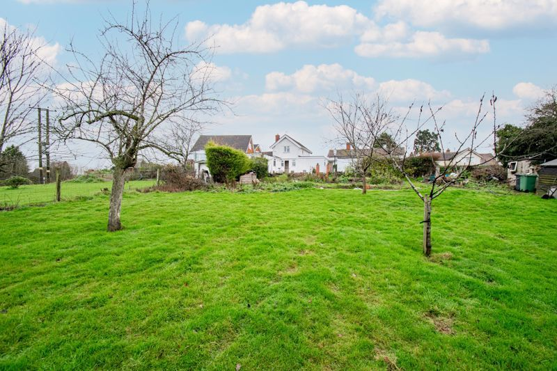 2 bed cottage for sale in Foley Gardens 17
