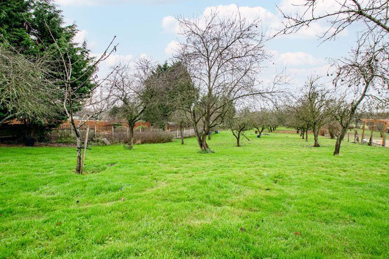 2 bed cottage for sale in Foley Gardens  - Property Image 3