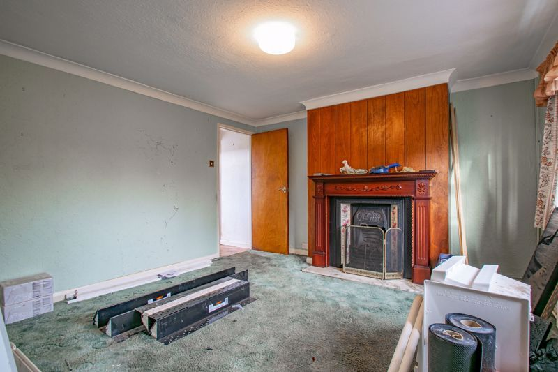 2 bed cottage for sale in Foley Gardens 4