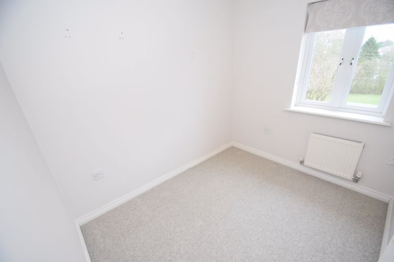 3 bed house to rent in Valencia Road 11