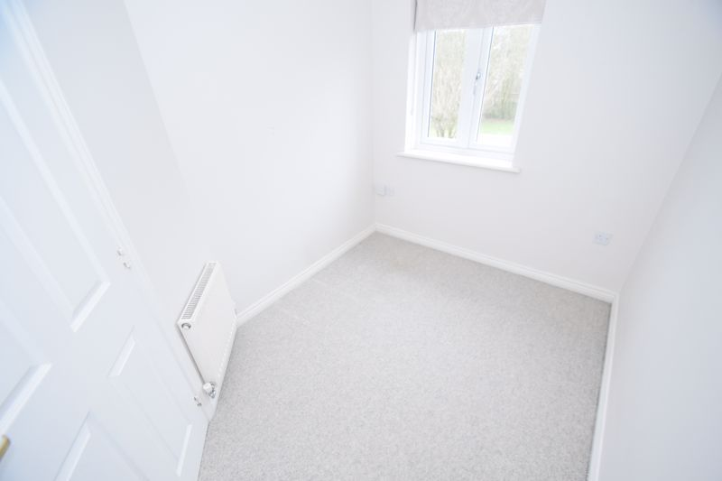 3 bed house to rent in Valencia Road  - Property Image 12