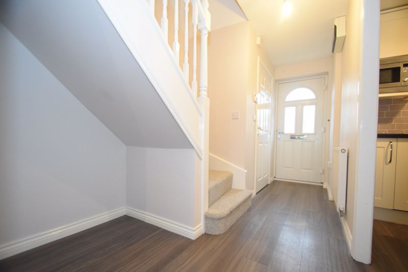 3 bed house to rent in Valencia Road 5