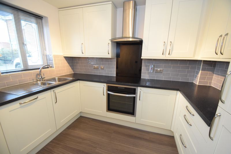3 bed house to rent in Valencia Road 6