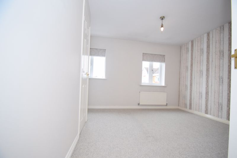 3 bed house to rent in Valencia Road 8