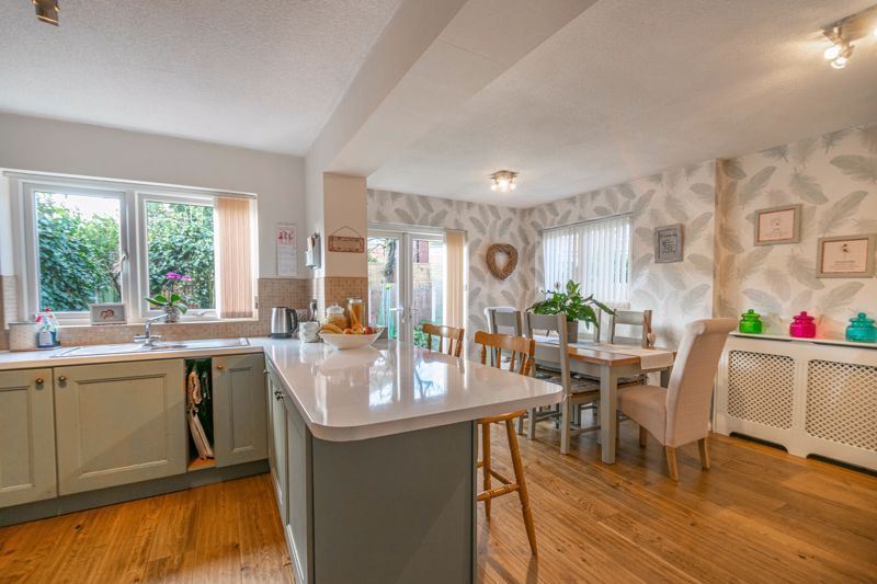 4 bed house for sale in Gladstone Drive  - Property Image 14