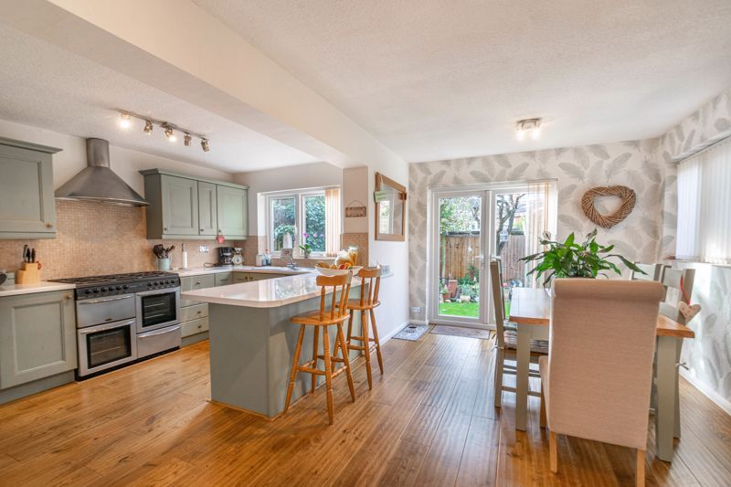 4 bed house for sale in Gladstone Drive  - Property Image 15