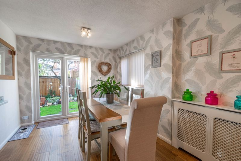 4 bed house for sale in Gladstone Drive 16