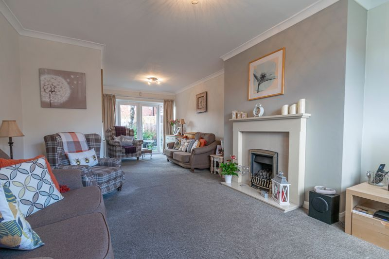 4 bed house for sale in Gladstone Drive 17