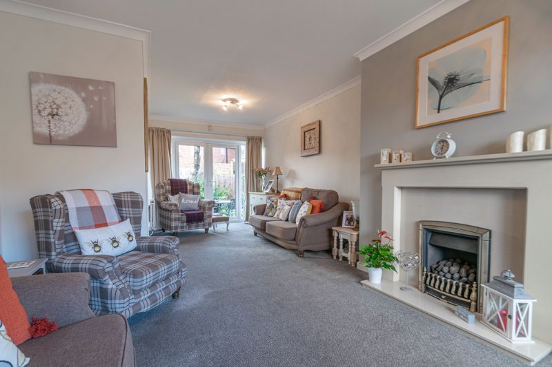 4 bed house for sale in Gladstone Drive 18