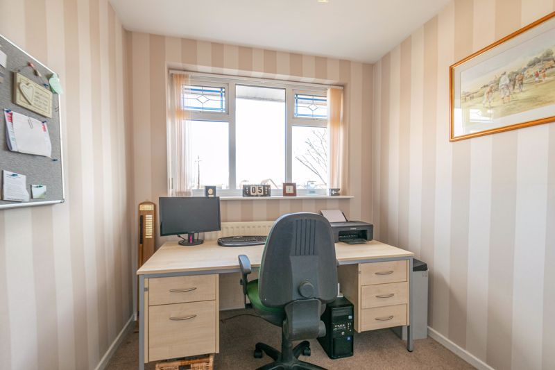 4 bed house for sale in Gladstone Drive  - Property Image 10