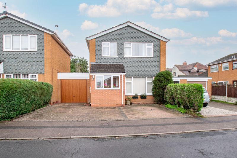 3 bed house for sale in Julian Close - Property Image 1