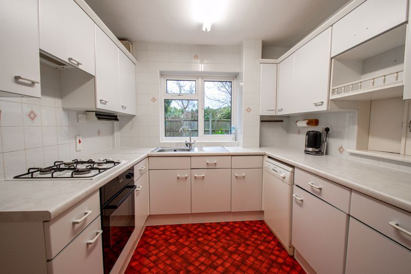 3 bed house for sale in Julian Close 8