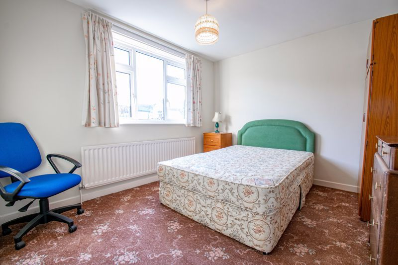 3 bed house for sale in Julian Close 10