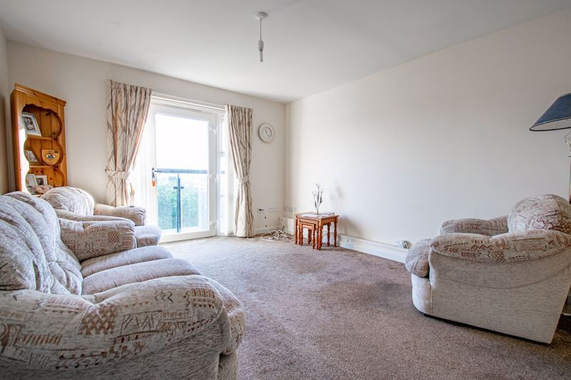2 bed flat for sale in Gilbert Road 2