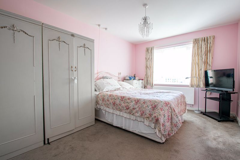 2 bed flat for sale in Gilbert Road  - Property Image 8