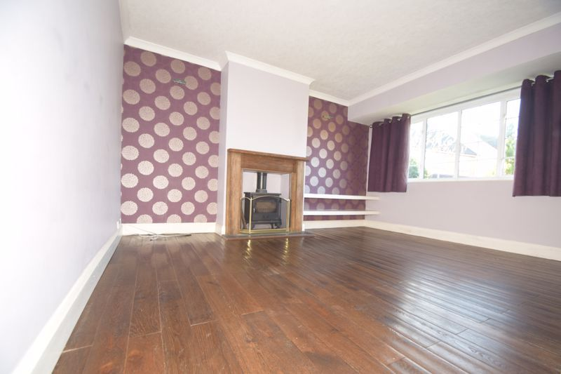 3 bed house to rent in Church Road 2