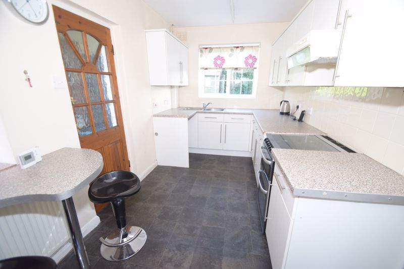 3 bed house to rent in Church Road 4