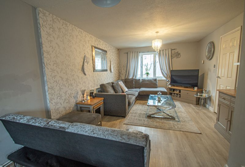 3 bed house for sale in Winforton Close 4