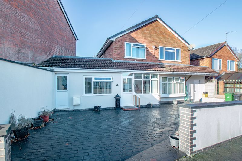 4 bed house for sale in Baptist End Road  - Property Image 1