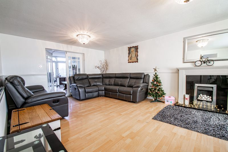 4 bed house for sale in Baptist End Road  - Property Image 2