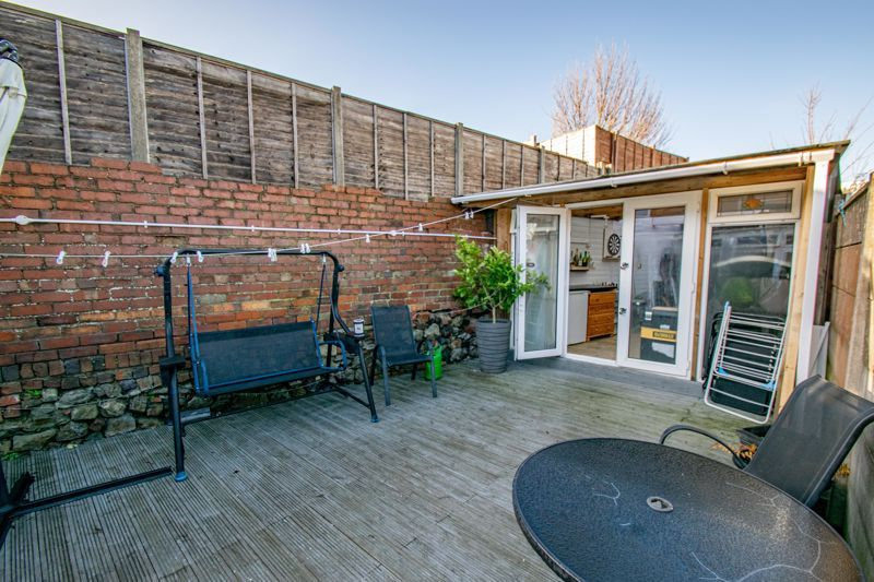 4 bed house for sale in Baptist End Road  - Property Image 14