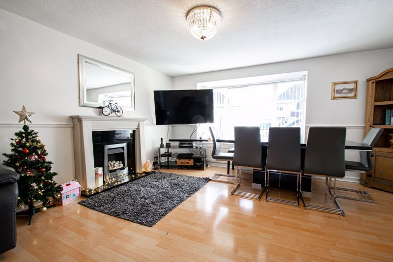 4 bed house for sale in Baptist End Road  - Property Image 16