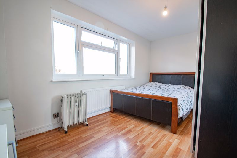 4 bed house for sale in Baptist End Road 8