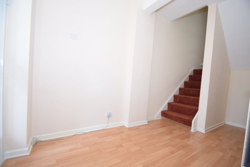 4 bed house to rent in Hillside  - Property Image 2