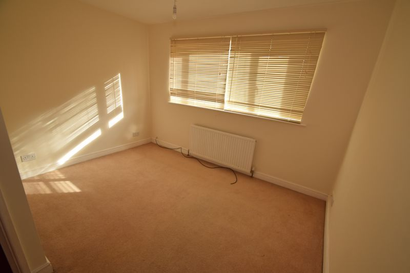 4 bed house to rent in Hillside  - Property Image 13