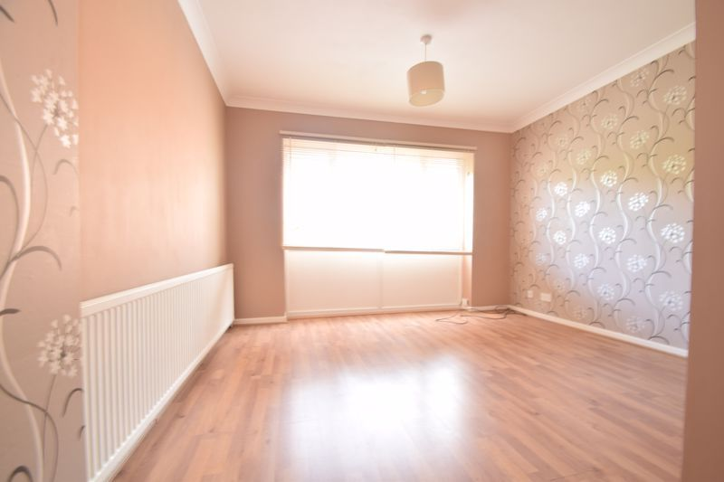4 bed house to rent in Hillside  - Property Image 7