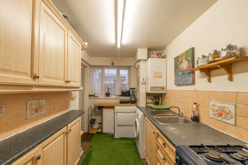 3 bed house for sale in St Georges Road 2