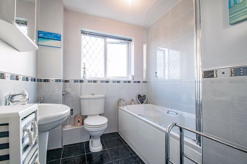 4 bed house to rent in Tythe Barn Close  - Property Image 10