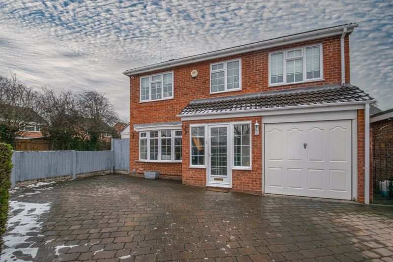 4 bed house for sale in Cheswick Close 1
