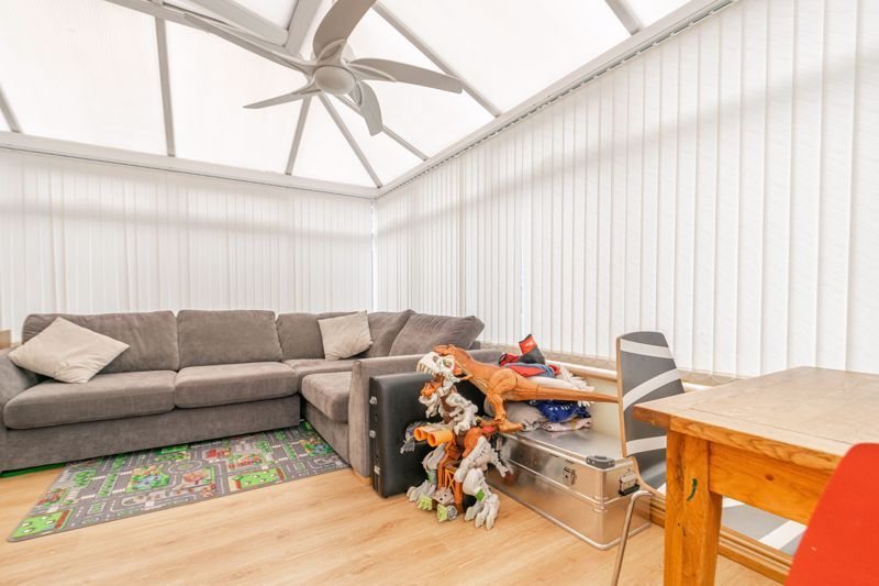4 bed house for sale in Cheswick Close 15