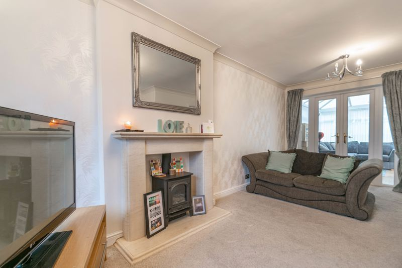 4 bed house for sale in Cheswick Close 5