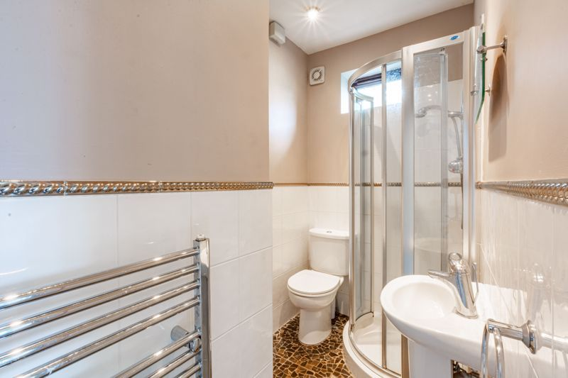 4 bed house for sale in Bernwall Close  - Property Image 11