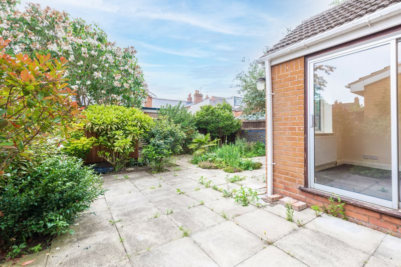 4 bed house for sale in Bernwall Close  - Property Image 12
