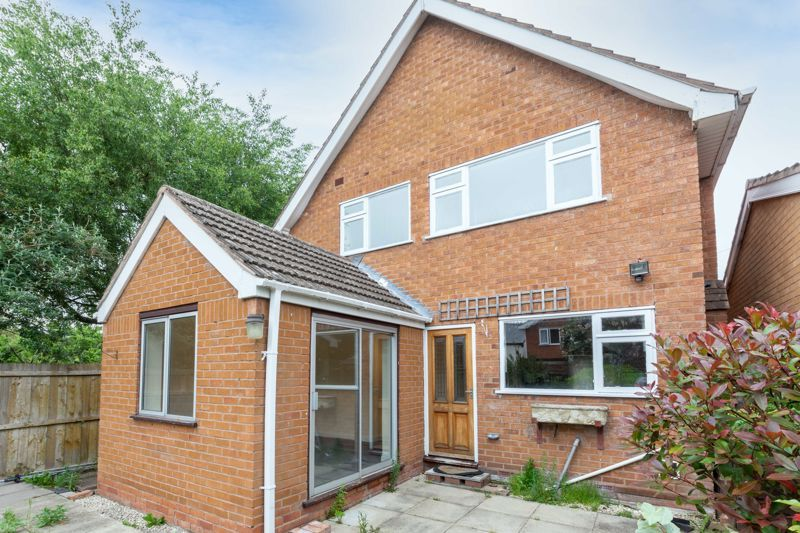 4 bed house for sale in Bernwall Close  - Property Image 13