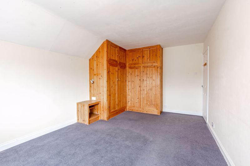 4 bed house for sale in Bernwall Close  - Property Image 15