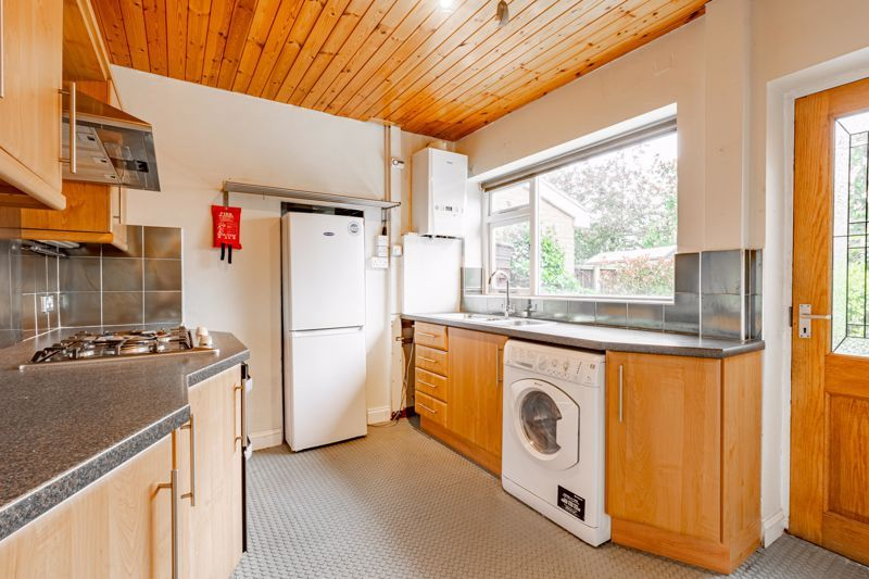 4 bed house for sale in Bernwall Close  - Property Image 17