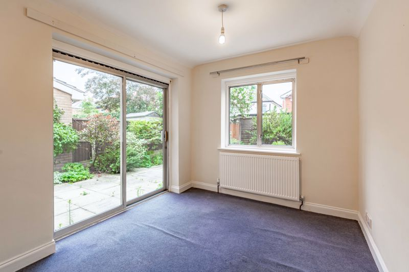4 bed house for sale in Bernwall Close  - Property Image 4