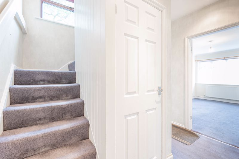 4 bed house for sale in Bernwall Close  - Property Image 5