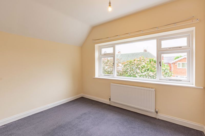 4 bed house for sale in Bernwall Close 8