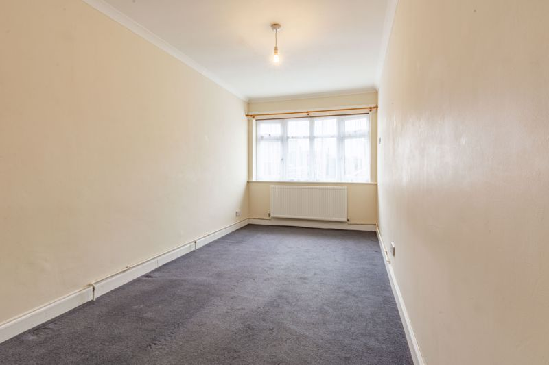 4 bed house for sale in Bernwall Close 9