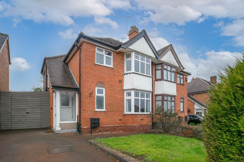 3 bed house for sale in Meadowhill Road 1