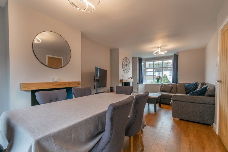 3 bed house for sale in Meadowhill Road 5