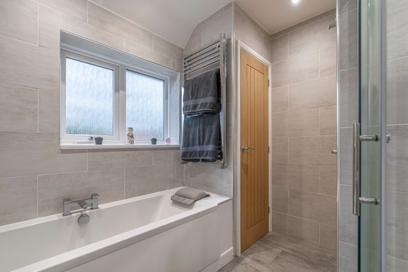 3 bed house for sale in Meadowhill Road  - Property Image 10