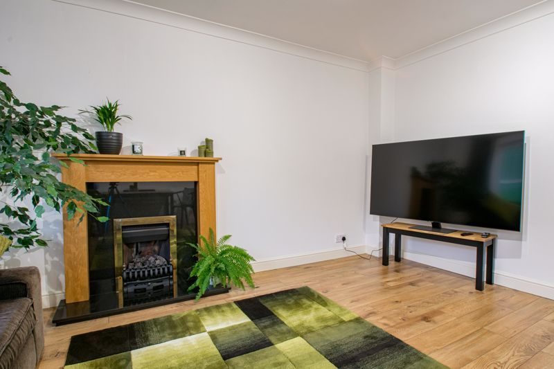 2 bed house for sale in Oakland Grove  - Property Image 3