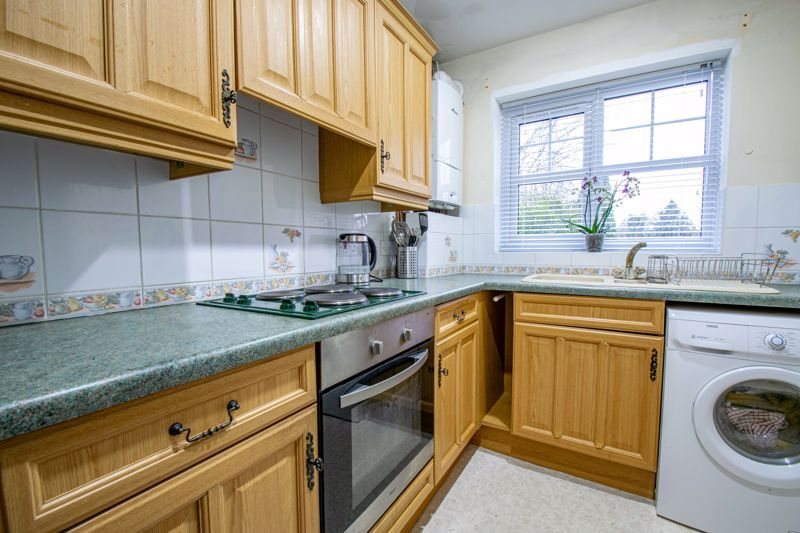 2 bed house for sale in Oakland Grove  - Property Image 5